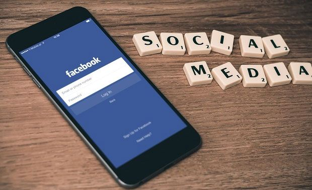 Facebook to test portable application shopping tab