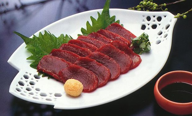 Tokyo region tries to reel in sightseers with whale meat