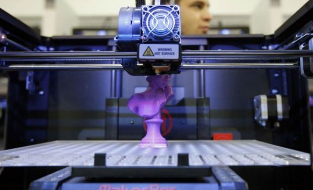 3D printing methods to assist specialists with cutting new ears