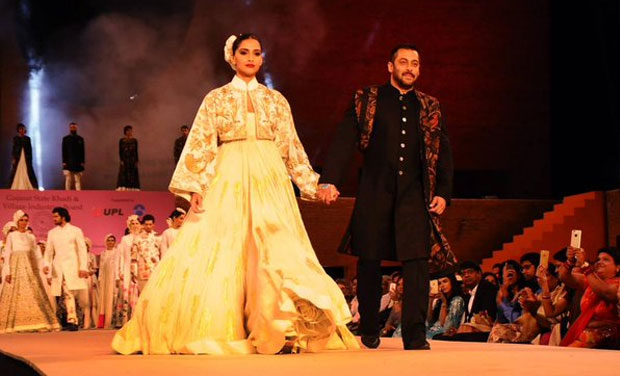 Salman Khan and Sonam Kapoor guideline the incline at Khadi Fashion Show