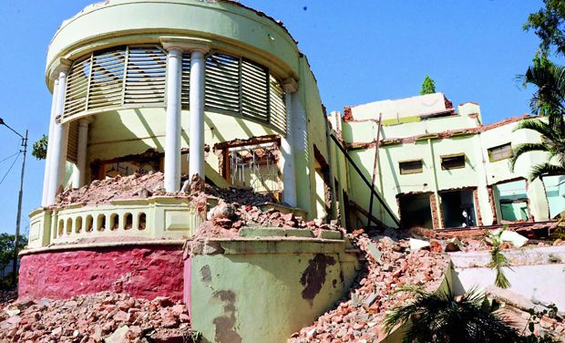 Most parts of IAS building in Hyderabad demolished