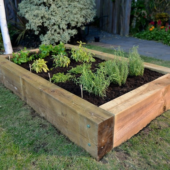 Manufacture YOUR OWN RAISED HERB GARDEN IN LESS THAN An HOUR