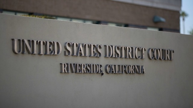 US says it would let Apple keep hacking software in FBI's 'San Bernardino Shooting' case