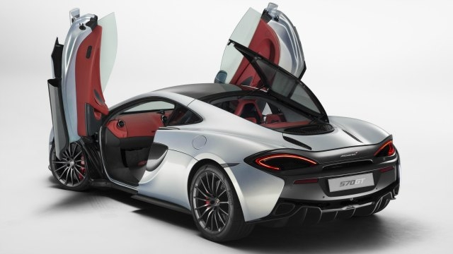 """McLaren's CEO Mike Flewitt talks about his """"electric dreams"""": Super electric cars of the future"""