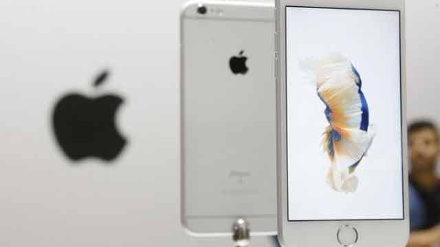 FBI defends handling of Apple case after abrupt retreat