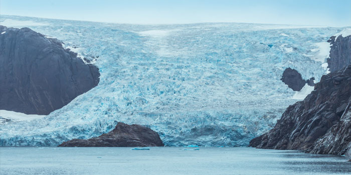 Greenland sees record early melting of ice sheet
