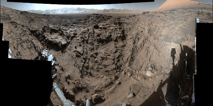 Watch: NASA's Curiosity Mars rover crosses rugged plateau!