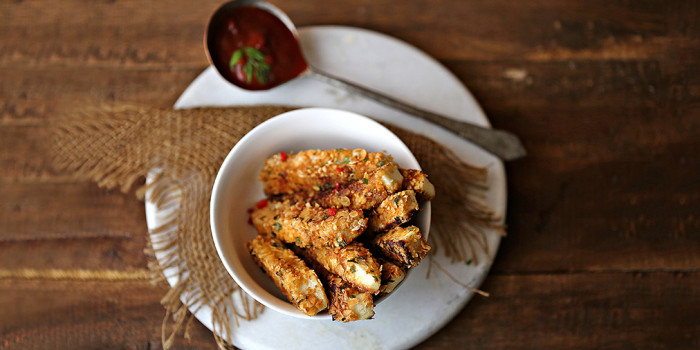 Paneer Grilled Sticks With Chili Sauce