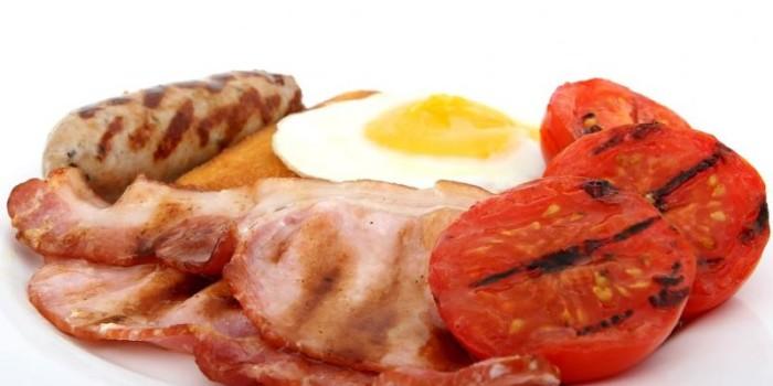 Eating three rashers of bacon a day raises heart risk: study