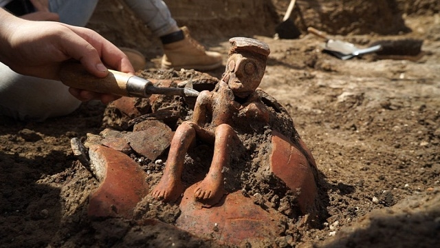 4,000-year-old rare thinker sculpture uncovered in Israel