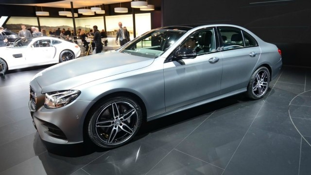 Mercedes partners with Uber for self-driving car project