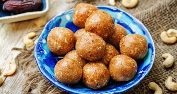 Recipe of Dates and Cashew Vegan Balls