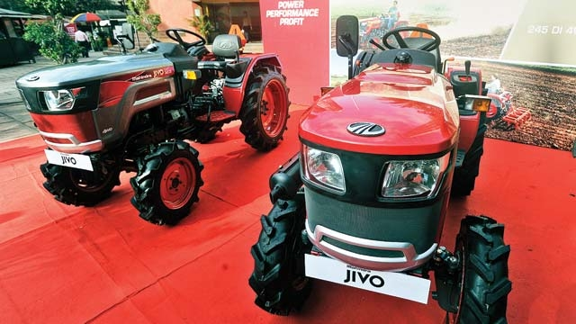 M&M bets on tractors despite rain-forecast dampener