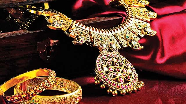 Warburg adds Rs 500 crore glitter to Kalyan Jewellers