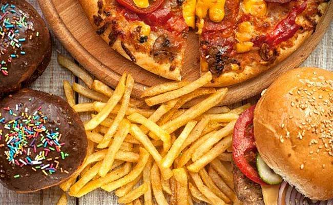 These Are The Reasons Why All Of Us Go For Junk Food When Stressed