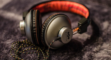 Six Simple Tips to Pack, Store, and Carry Your Headphones Around